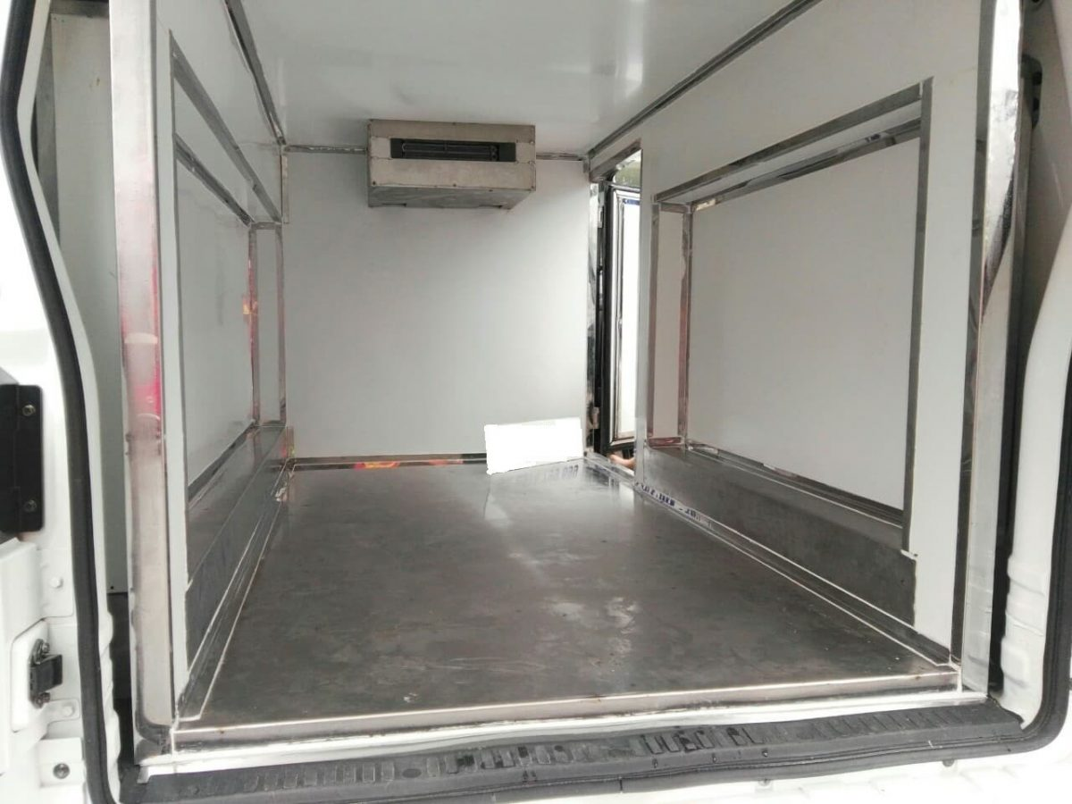 Xe O To Tai Van Dbx30 V2 Thung Dong Lanh 4264 20